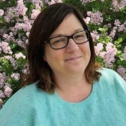 Michelle Devaney headshot