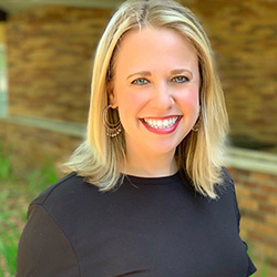 Jill Lubbesmeyer headshot